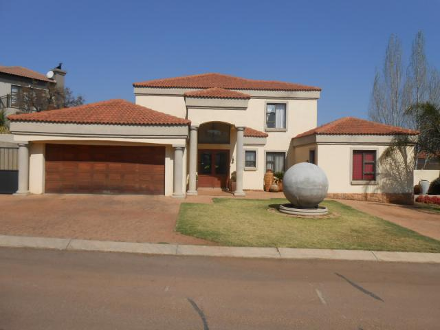 4 Bedroom House for Sale For Sale in Pretorius Park - Private Sale - MR095604