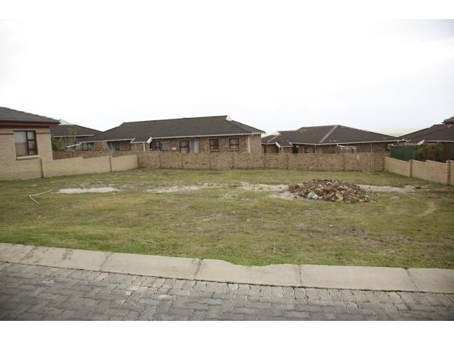 Land For Sale in Jeffrey's Bay - Home Sell - MR095669