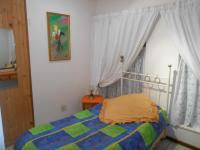 Bed Room 1 - 12 square meters of property in Dorandia