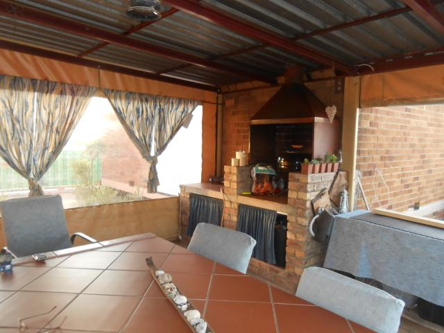2 Bedroom House for Sale For Sale in Pretoria North - Home Sell - MR095685