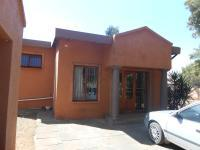 3 Bedroom 2 Bathroom in Val de Grace