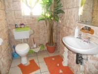 Bathroom 1 - 2 square meters of property in Fishers Hill
