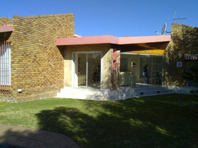 3 Bedroom House for Sale For Sale in Sunward park - Private Sale - MR095690