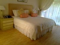 Main Bedroom of property in Sunward park