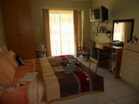 Main Bedroom - 18 square meters of property in Kuils River