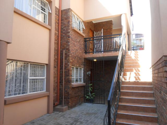 2 Bedroom Sectional Title For Sale in Pretoria North - Private Sale - MR095720