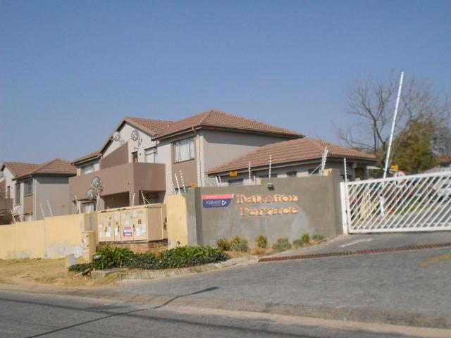 1 Bedroom Sectional Title for Sale For Sale in Midrand - Private Sale - MR095722