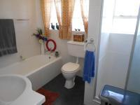 Main Bathroom - 6 square meters of property in Dalpark