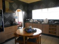 Kitchen - 21 square meters of property in Brackenhurst