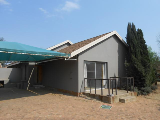 4 Bedroom House for Sale For Sale in Vaalpark - Home Sell - MR095795