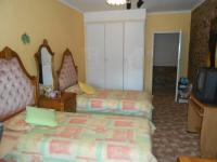 Bed Room 2 - 23 square meters of property in Karenpark