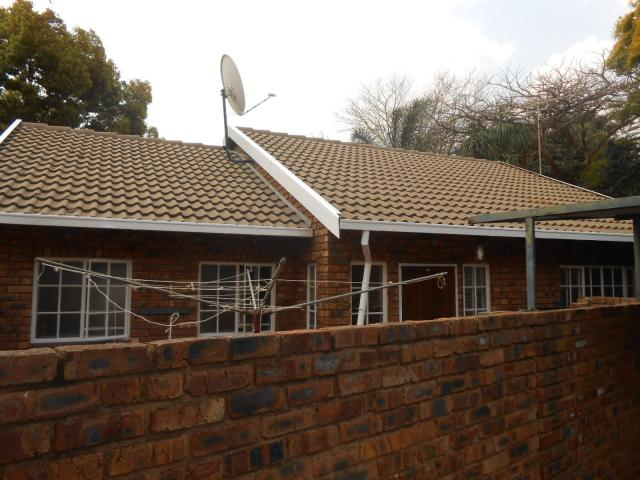 3 Bedroom Duet For Sale in Garsfontein - Private Sale - MR095802