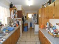 Kitchen - 28 square meters of property in Florauna