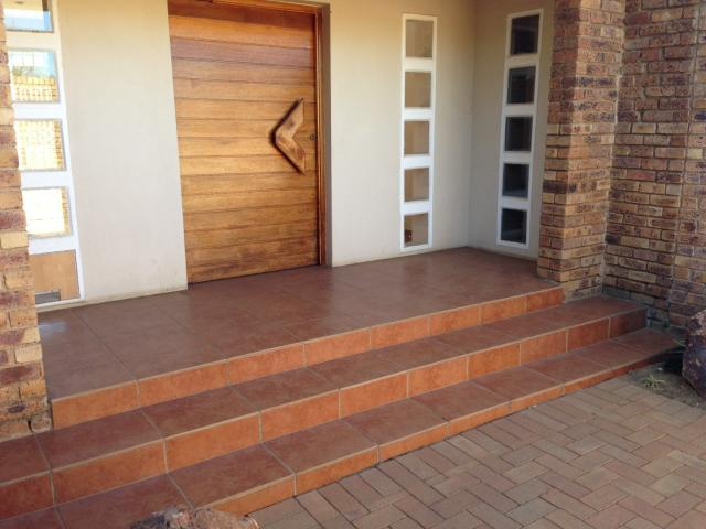4 Bedroom House for Sale For Sale in Benoni - Private Sale - MR095842