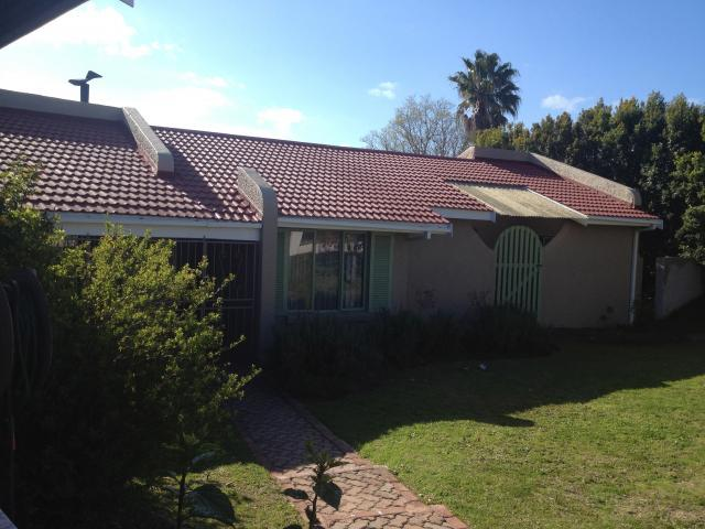 4 Bedroom House for Sale For Sale in Knysna - Private Sale - MR095850