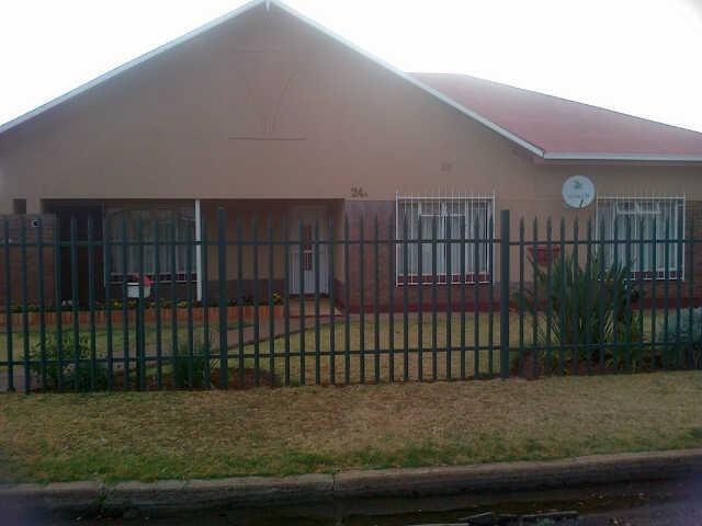 3 Bedroom House for Sale For Sale in Parys - Home Sell - MR095895