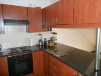 Kitchen - 16 square meters of property in Mooikloof Ridge
