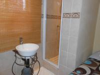 Bathroom 1 - 5 square meters of property in Birchleigh North