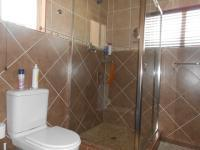Main Bathroom - 7 square meters of property in Kloofsig