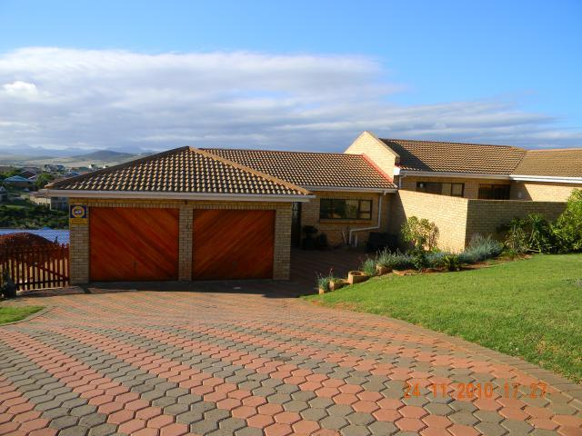 4 Bedroom Duet for Sale For Sale in Hartenbos - Private Sale - MR095981