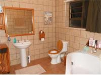 Main Bathroom - 9 square meters of property in Hartenbos
