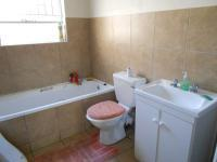 Main Bathroom - 6 square meters of property in Vorna Valley