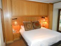 Main Bedroom - 26 square meters of property in Muckleneuk