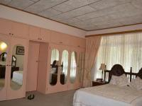 Main Bedroom - 7 square meters of property in Emalahleni (Witbank)