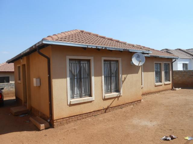Standard Bank EasySell 3 Bedroom House For Sale in Clayville - MR096121