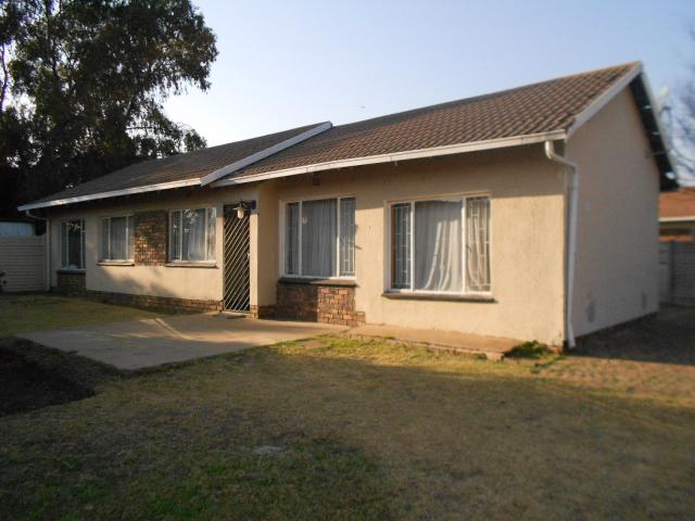 3 Bedroom House For Sale in Brakpan - Private Sale - MR096131