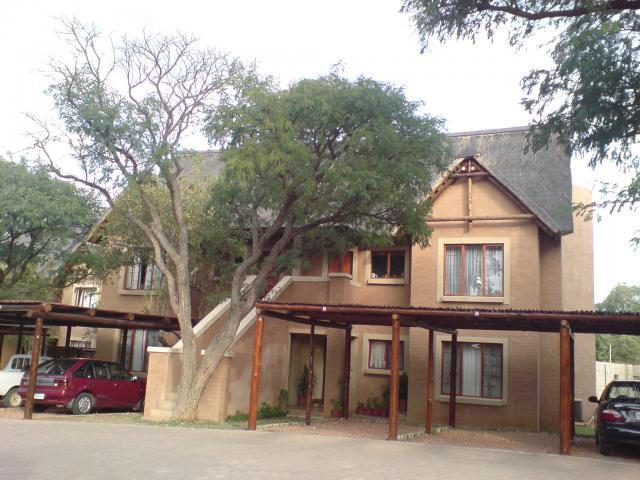 2 Bedroom Apartment for Sale For Sale in Hoedspruit - Private Sale - MR096132