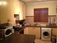 Kitchen - 10 square meters of property in Die Hoewes