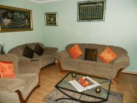 Lounges - 12 square meters of property in Woodstock