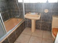 Bathroom 1 - 5 square meters of property in Discovery