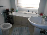 Main Bathroom - 6 square meters of property in Douglasdale