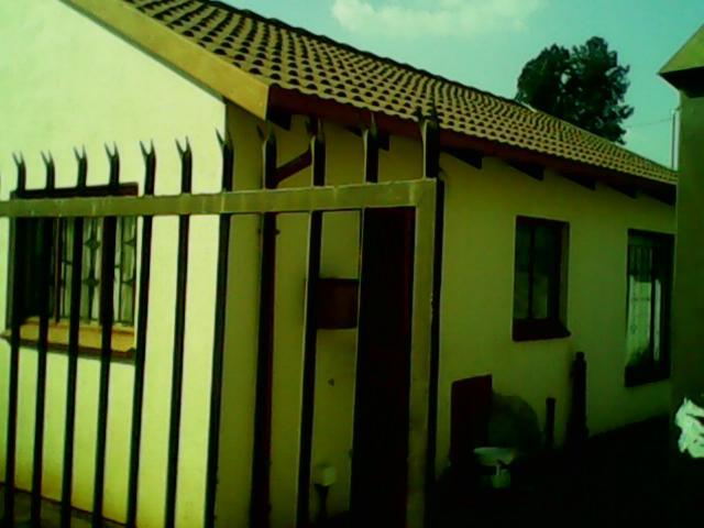 2 Bedroom House for Sale For Sale in Mamelodi - Home Sell - MR096299