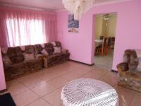 Lounges - 28 square meters of property in Leachville
