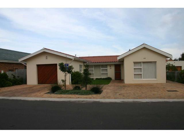 3 Bedroom House for Sale For Sale in Kleinmond - Private Sale - MR096321
