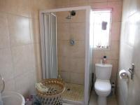Main Bathroom - 3 square meters of property in Caneside
