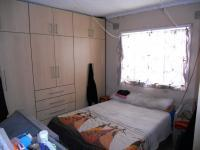 Main Bedroom - 12 square meters of property in Caneside