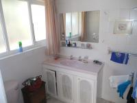 Main Bathroom - 5 square meters of property in Himeville