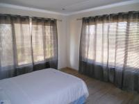Bed Room 2 - 16 square meters of property in Himeville