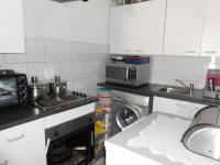 Kitchen - 3 square meters of property in Florida Glen