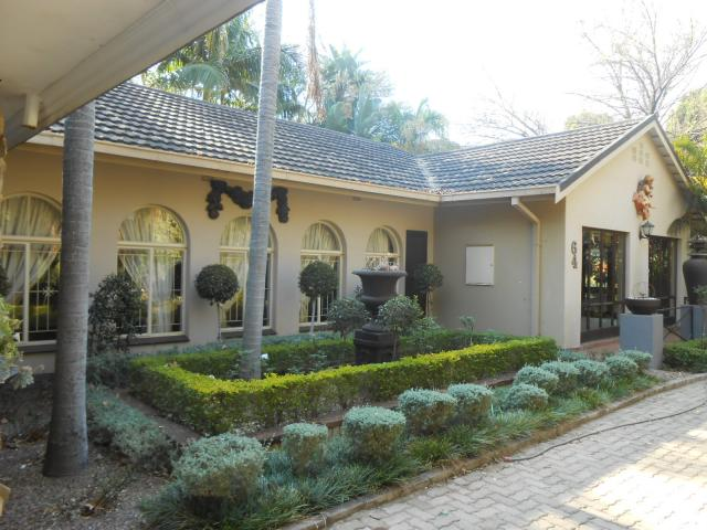 4 Bedroom House For Sale in Mookgopong (Naboomspruit) - Home Sell - MR096409