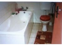 Main Bathroom of property in Ennerdale