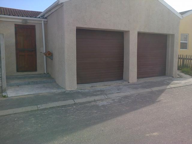 3 Bedroom House for Sale For Sale in Mitchells Plain - Private Sale - MR096440