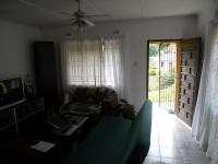 Lounges - 20 square meters of property in Queensburgh