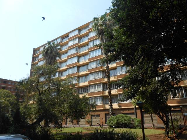2 Bedroom Apartment for Sale For Sale in Pretoria Central - Home Sell - MR096457