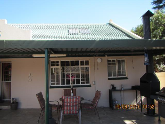 3 Bedroom House For Sale in Randfontein - Home Sell - MR096497