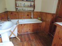 Main Bathroom of property in Somerset East